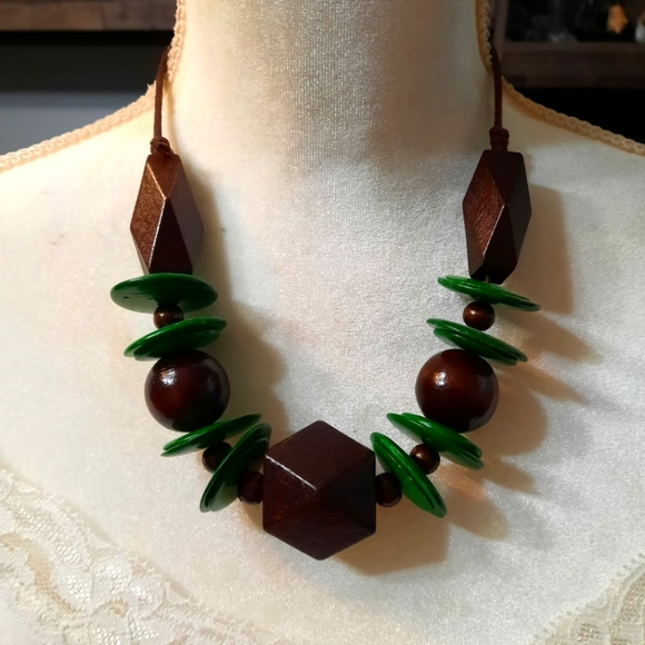 Paparazzi-wooden green and brown necklace set